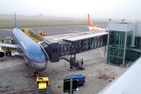 entrando no avião 3